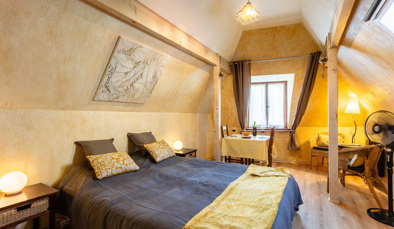 Terrasse réservée pour le studio OCCITANIE - Location vacances gîte à Cabrerets Un Jardin dans la Falaise