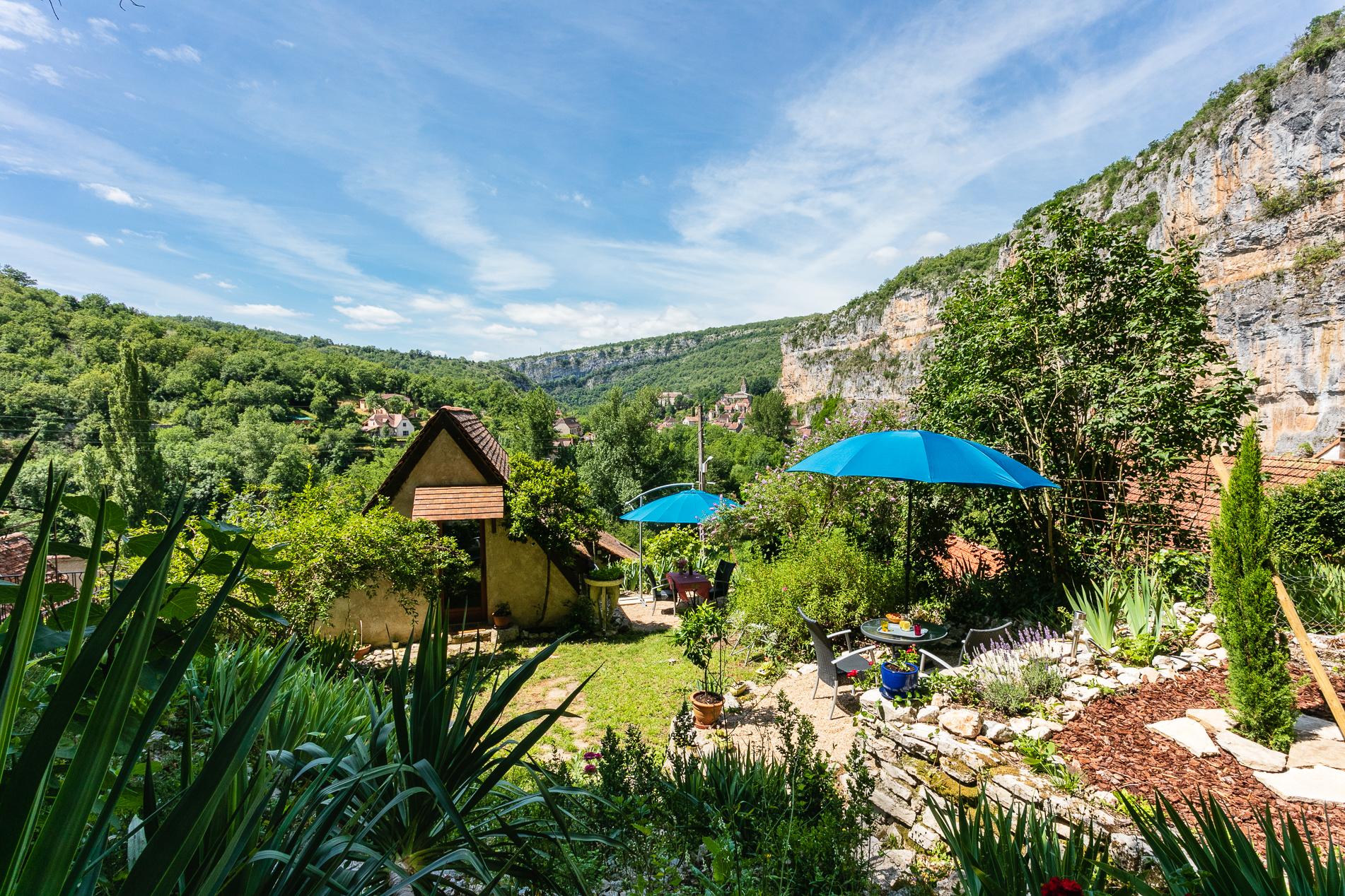 Jardin - Location vacances gîte à Cabrerets Un Jardin dans la Falaise